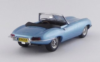 BEST9709 - JAGUAR E TYPE SPYDER ELECTRIC - UK Royal Wedding 2018 - Harry & Meghan - Limited Edition