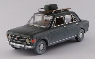 RIO4642 - FIAT 128 - 4 porte 1970 - Con sci / With skis